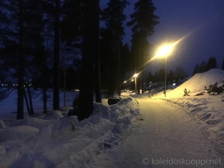 iltakävelyllä